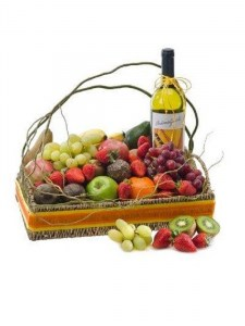 Seasonal Fruit Basket with White Wine